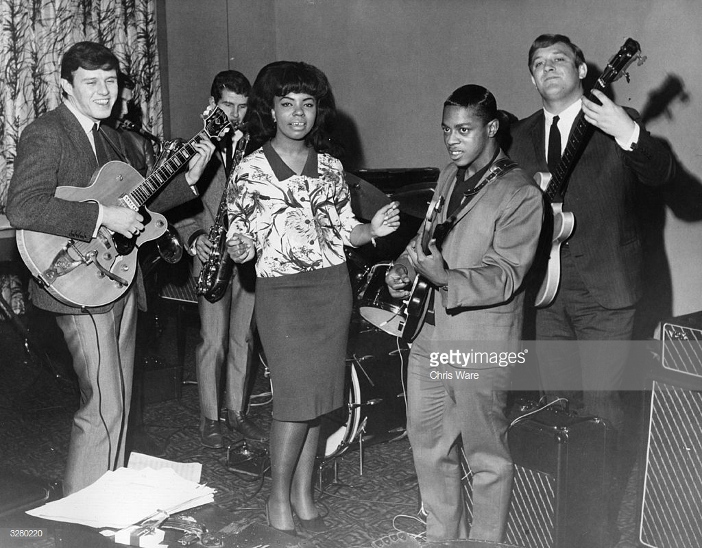 Sounds Incorporated with Mary Wells